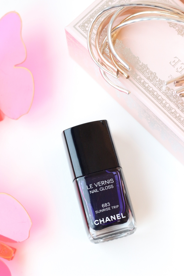Chanel Le Vernis Nail Gloss 683 Sunrise Trip