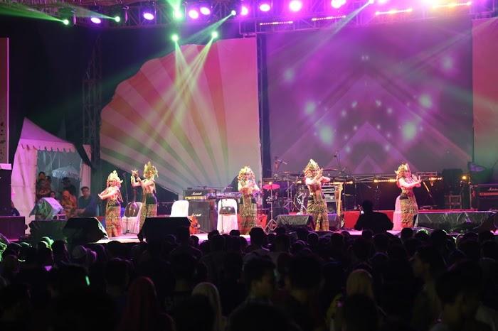 Pentas Seni dan Budaya Keratuan Darah Putih Semarakkan Panggung Utama Lampung Fair 2019