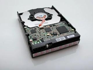 HDD Hardisk Drive atau Hard Disk Drive - Penjelasan Singkat dan Padat