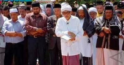 http://www.umatnabi.com/2016/11/inilah-kisah-karamah-almarhum-abuya.html