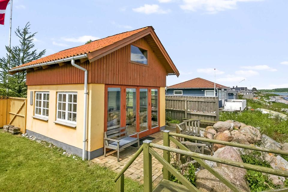 These 3 beautiful small houses design with floor plan consists of 1 bedroom, 1 bathroom, a living room and a kitchen. If you love living in small houses, then you should see what we've got for you. We are happy to help you find your dream home.