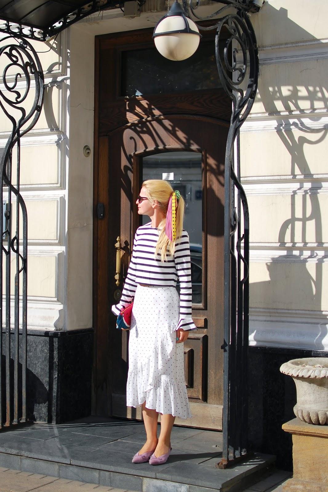 модные силуэты юбок 2018, модный летний образ с юбкой
