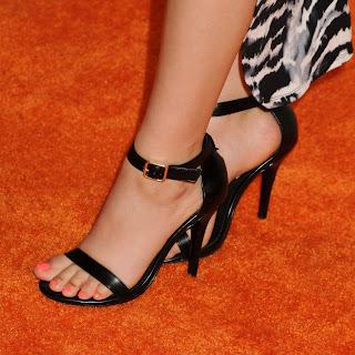 9 los pies de Victoria Justice