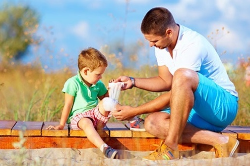 Apteczka na podróż z dzieckiem + gotowa lista dla Was