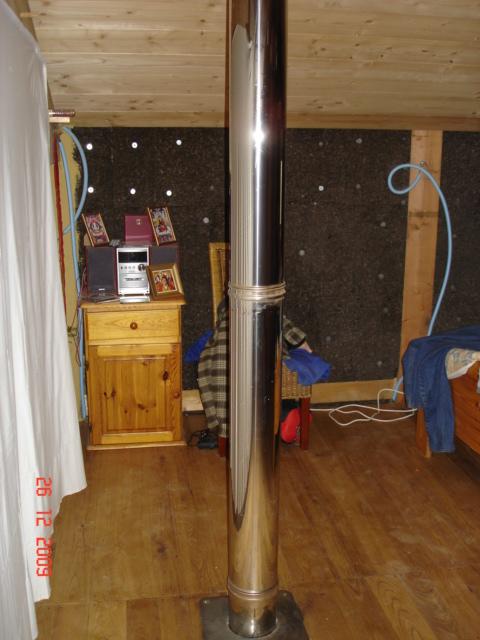 notre maison en bois cologique la pose des tomettes. Black Bedroom Furniture Sets. Home Design Ideas