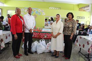Regional de Educación en San Cristóbal lleva alimentos y aguinaldo navideño a leprocomio