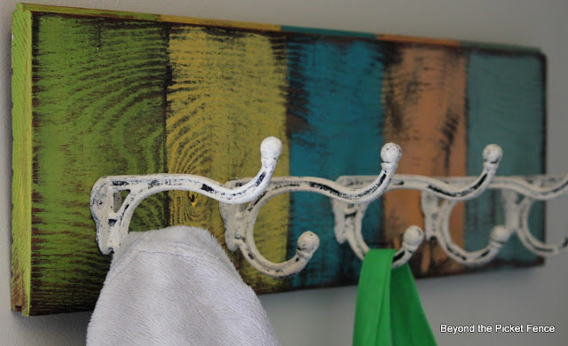 coat hook, organization, paint, colorful, barn wood, http://bec4-beyondthepicketfence.blogspot.com/2013/08/off-hook.html