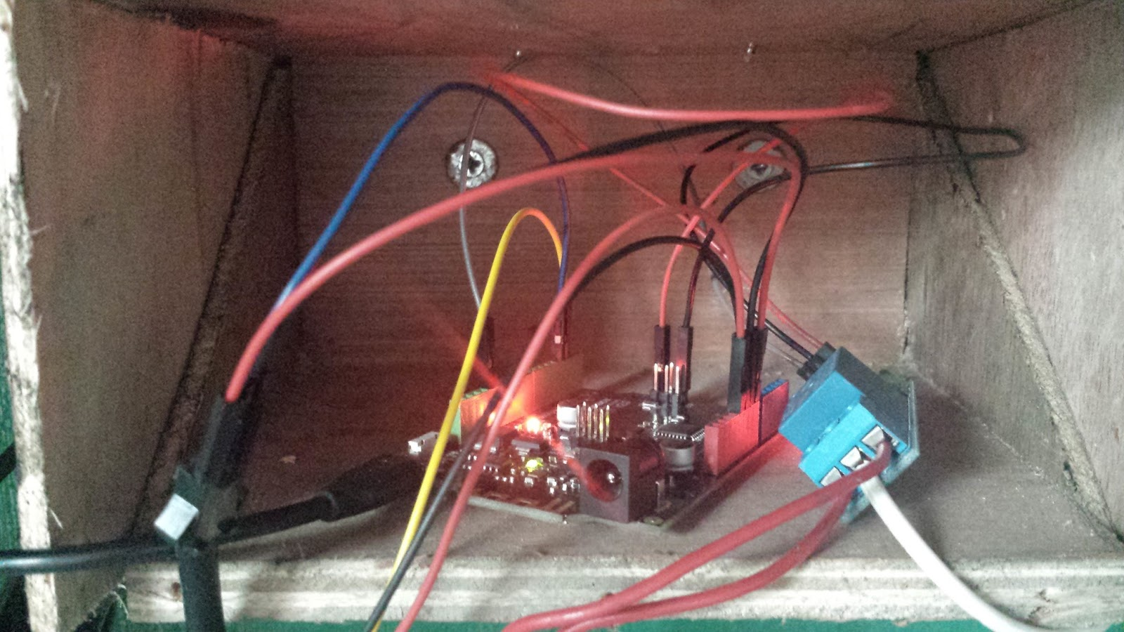 Crazy Happy Monkey Electrical Wiring The Flow Meters Directly Interface With Microcontroller While Solenoid Valves Are Connected To A Single Channel Relay Normally