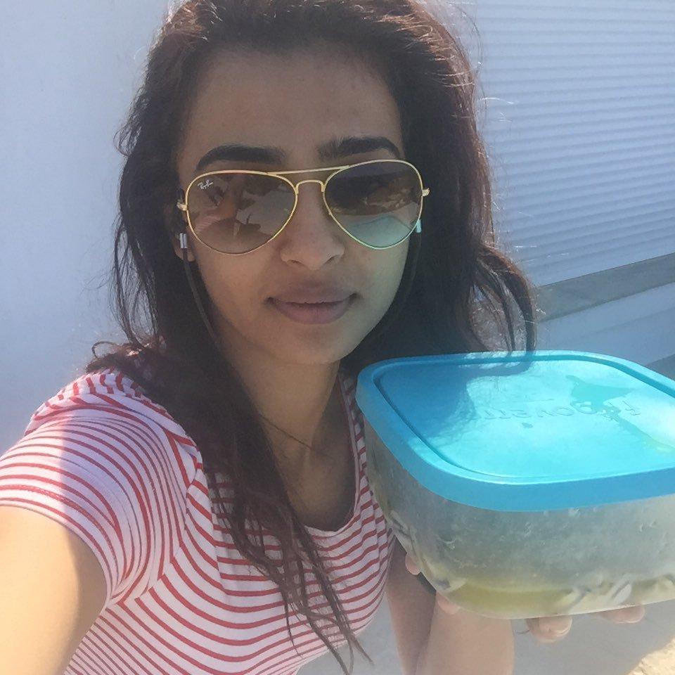 radhika apte latest hot photos