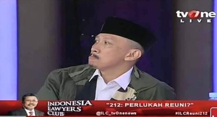 Abu Janda Terciduk Sedang di Diskotik