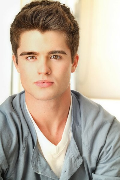 Caramelitos Varoniles Jr.: Spencer Boldman