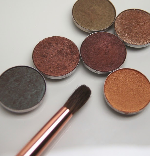 mac eyeshadows club mulch sumptuous olive tempting twinks amber lights swatches