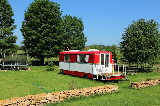 vakantie op een minicamping in Frankrijk, gezellige camping frankrijk, lastminute vakantie frankrijk boeken