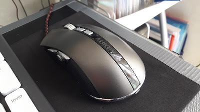 Mouse gaming AUKEY in Titanio elegante sobrio