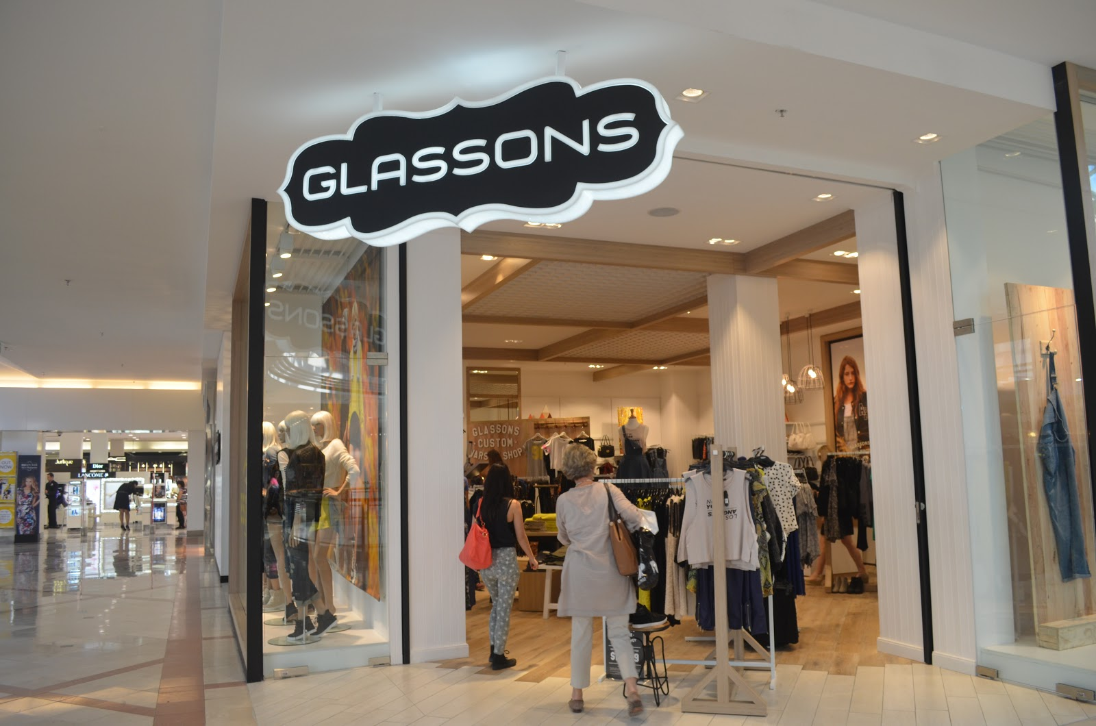 Dusty Petals: Highpoint Retailer Profile: Glassons