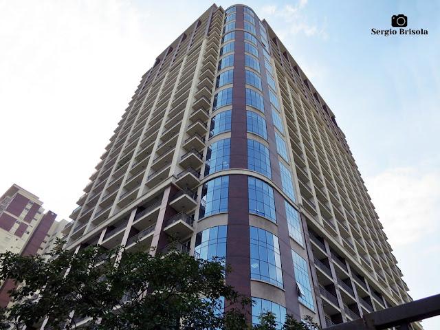 Perspectiva inferior da fachada do Edifício Casa Das Caldeiras Comercial - Água Branca - São Paulo