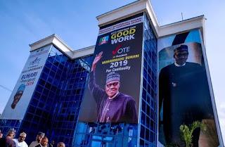 Politics: Buhari visits 2019 campaign office [PHOTOS]