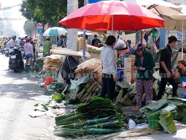 Chợ lá dong một năm họp chỉ một lần ở chợ ông Tạ - Sài Gòn