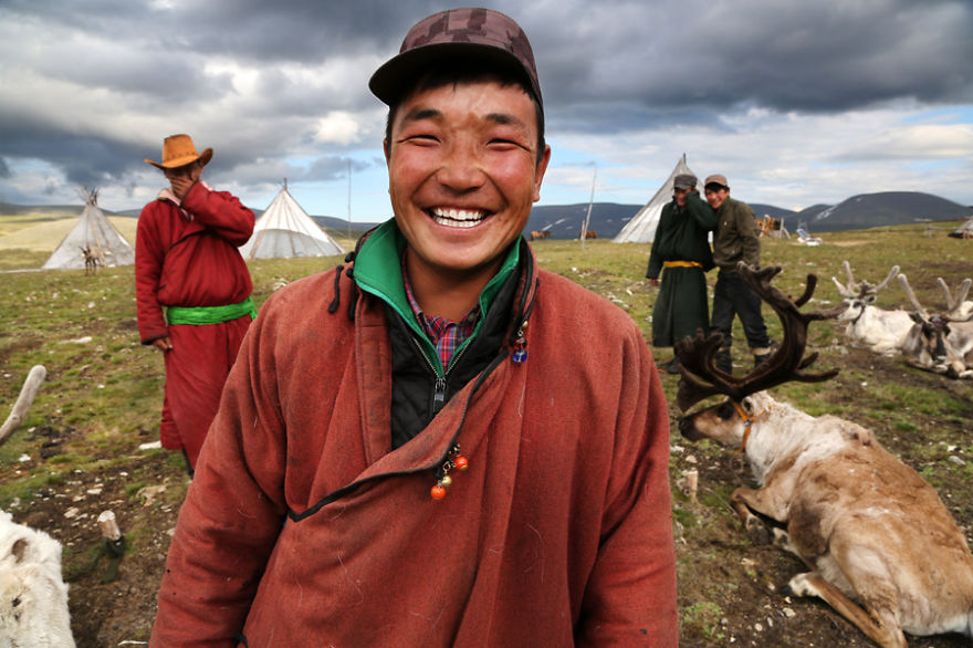 Other members of the family living at the camp: Bayrsaïhan, Chagtan, Baagii and Nuuru - Meet The Tsaatan Nomads In Mongolia Who Live Like No One Else