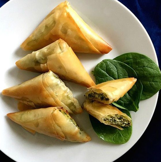 Healthy Snack Greek Spinach and Cheese Triangles