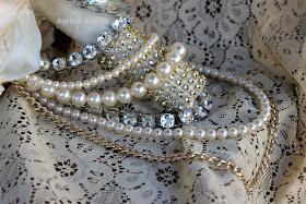 Great Gatsby themed wedding flowers