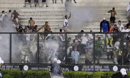 Morre um torcedor na briga no jogo Vasco x Flamengo