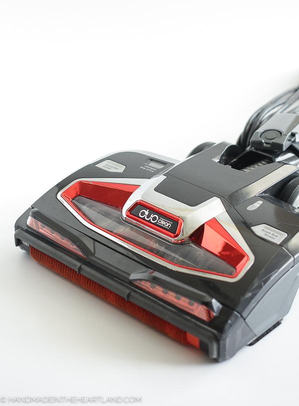 8 Reasons Why I LOVE the Shark Rocket Vacuum