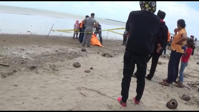 Mayat Dalam karung Ditemukan Di Pantai Karibea