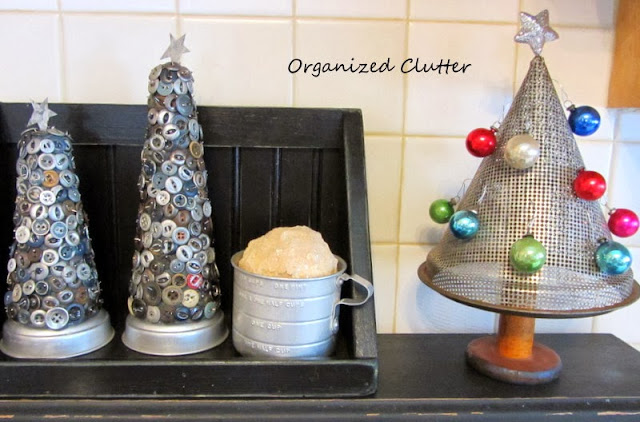 Grubby Button Trees & Berry Sieve Christmas Tree www.organizedclutterqueen.blogspot.com