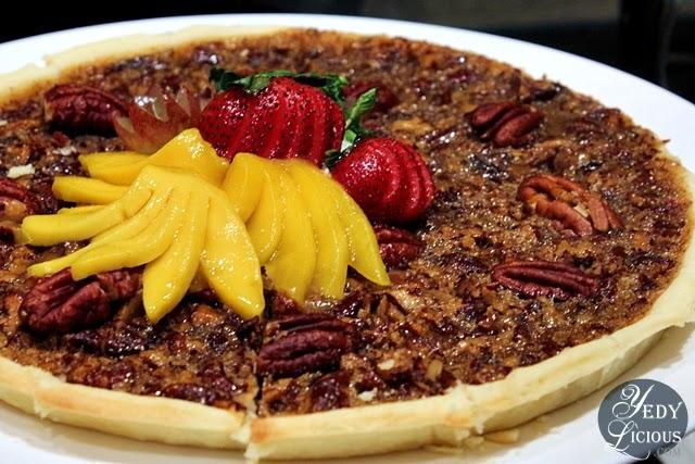 Pecan Pie at Oakroom Restaurant / Jazzy Sunday Brunch Buffet