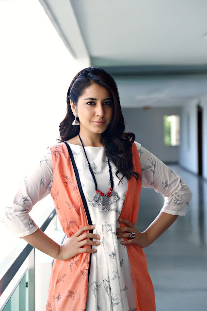 Raashi khanna New HD Stills