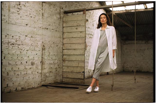 Amparo Noguera luciendo la colección invierno 2016 de Polca zapatos