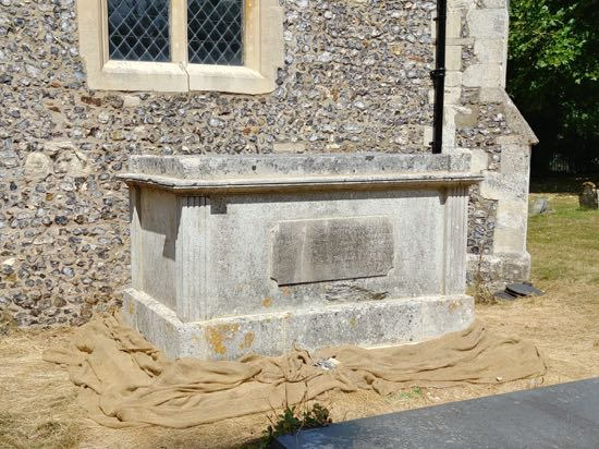 Photograph of The Grade II listed Booth tomb at St Mary's Church, North Mymms - August 2018 Image by the North Mymms History Project released under Creative Commons BY-NC-SA 4.0
