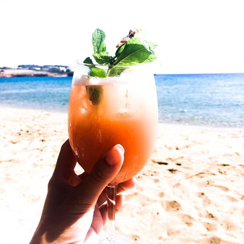 summer cocktail photos, summer beach vibe photos, summer mood photos