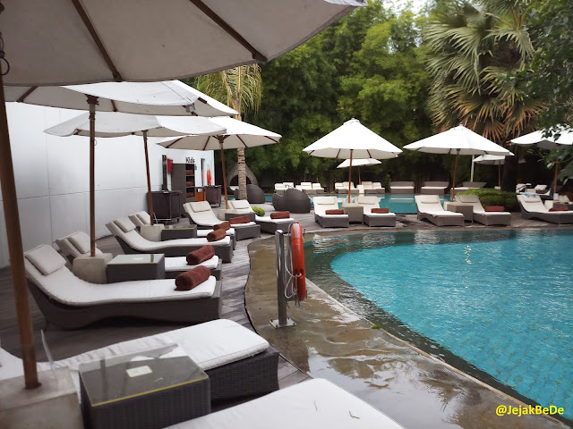 Kemewahan Double Tree Hilton Hotel Dengan Laguna Tropisnya