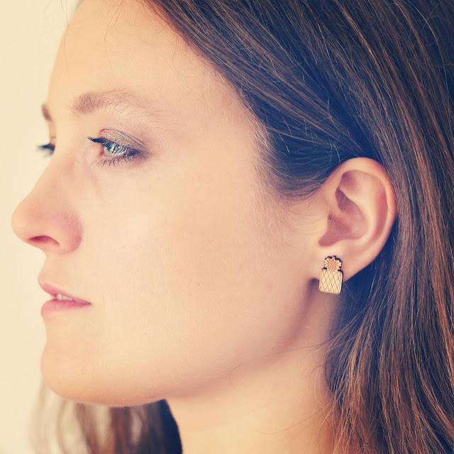 http://www.lesfollesmarquises.com/product/clous-d-oreilles-ananas