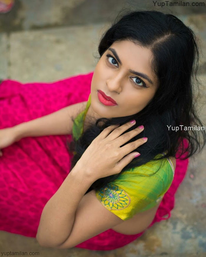 Sassychic Sammohana Sexy Photos-Spicy Bikini,Bra,Navel Pictures,Images