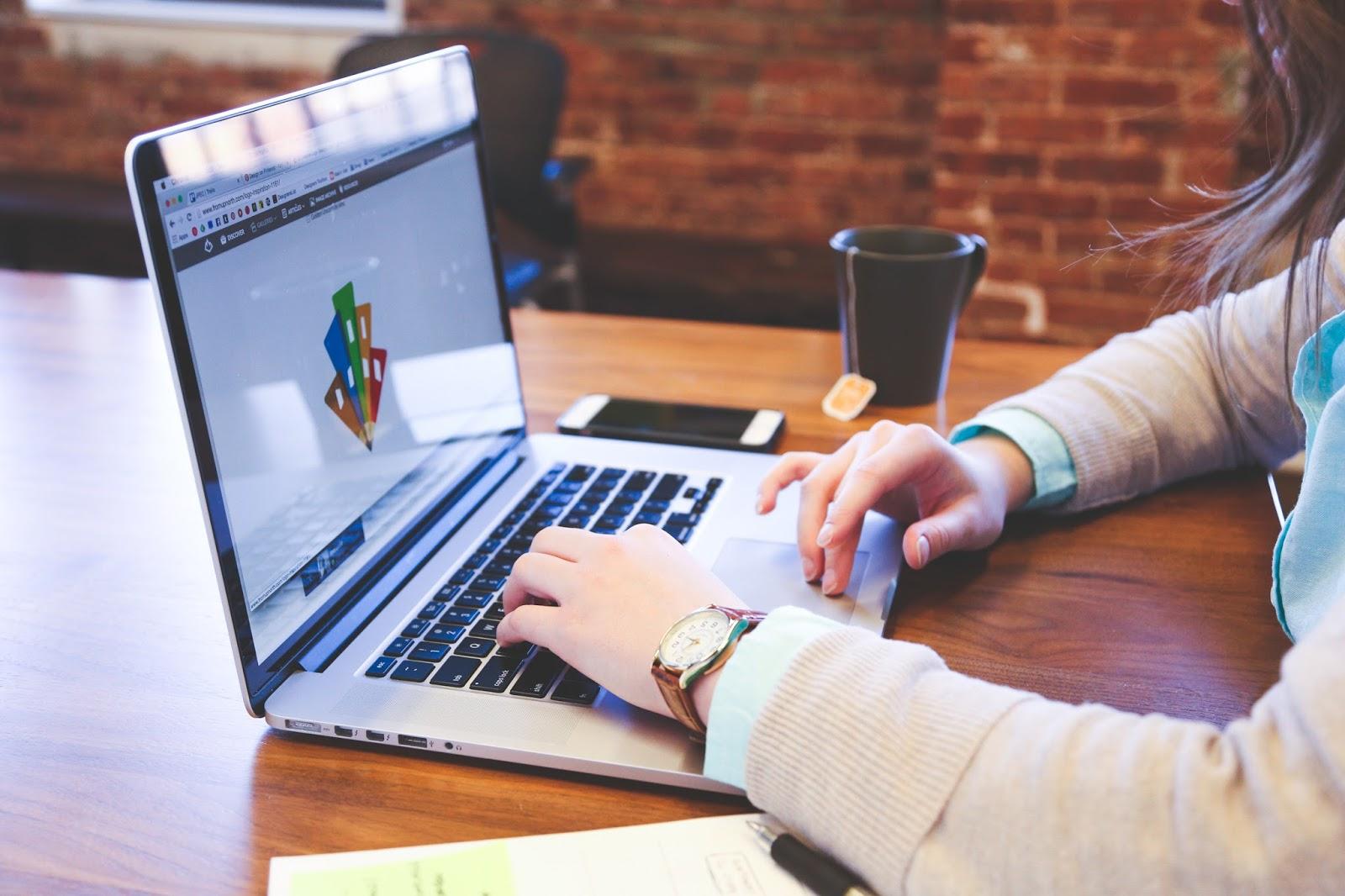 Gráfica Online Futura Imbatível: Confiabilidade, Agilidade e preço justo