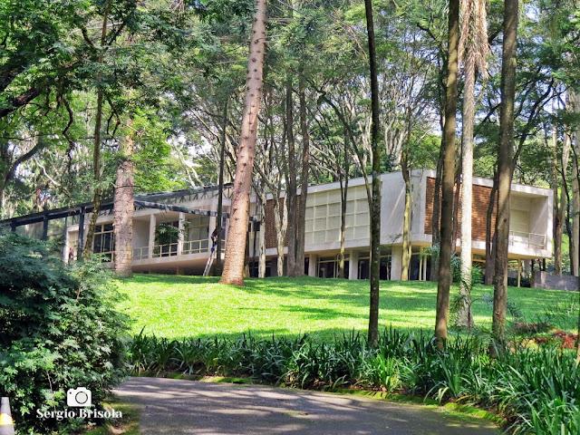 Vista ampla da mansão da Fundação Maria Luisa e Oscar Americano - Morumbi - São Paulo
