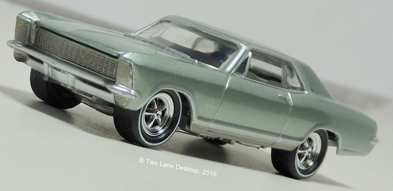 Johnny lightning 1965 buick riviera and 1978 dodge warlock