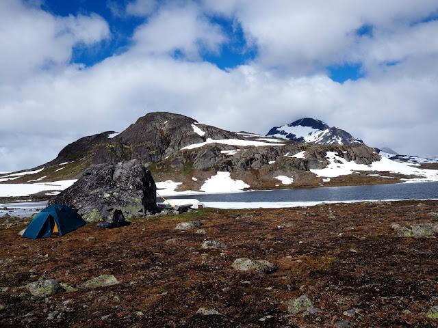 Norsko, tunra, jezero, stan, stanování, sami v přírodě, Jotunheimen