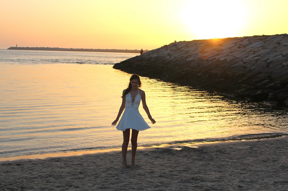peexo fashion blogger wearing missguided dress sunset