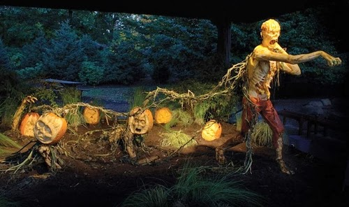 16-Halloween-The-Pumpkins-Villafane-Studios-Ray-Villafane-Sculpting-www-designstack-co