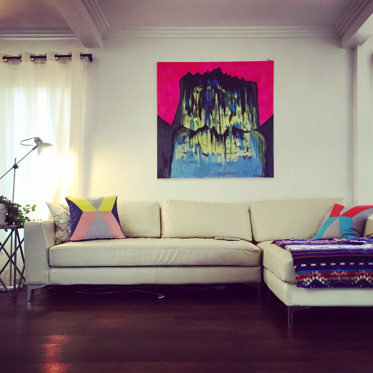 Gringopost Ecuador High End Italian Couch W Chaise For Sale  # Muebles Colineal Ecuador