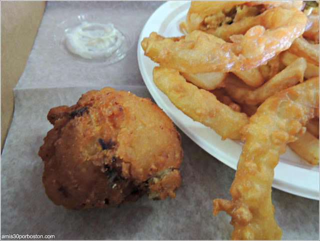 Woodman's of Essex: Nana Bessie´s Clamcake & Chubby´s Original Fried Clams