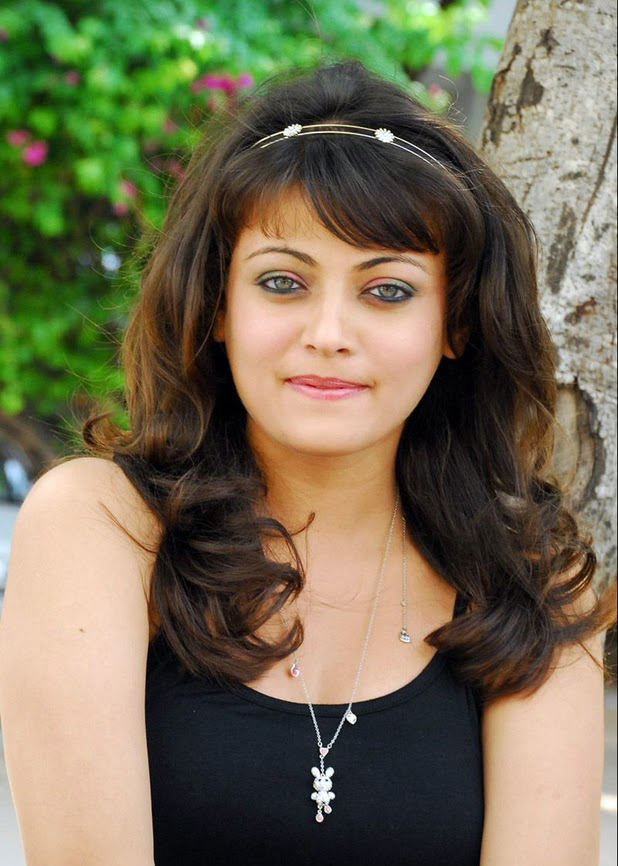 Tollywood Cute Actress Sneha Ullal Photogallery HQ