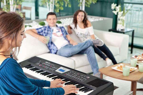 Tự học đàn piano điện