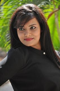 Tanuja Naidu Profile Family Biography Age Biodata Husband Photos