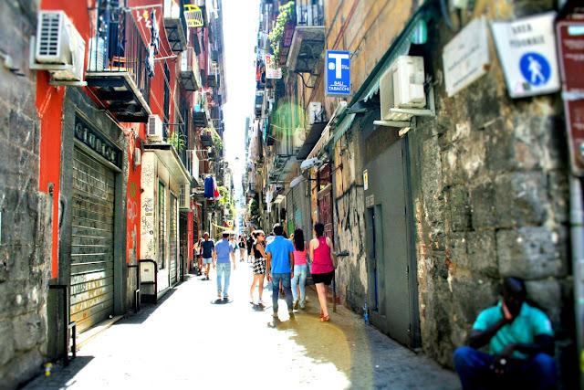 spaccanapoli, Napoli, turisti, gente, strdina, via centrale