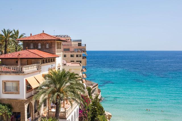 Slowing down in Palma de Mallorca   Adelante